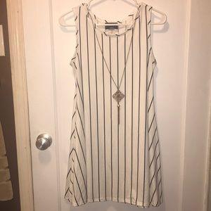 Discreet dress